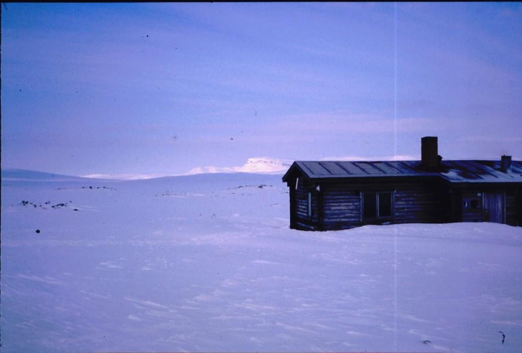 Saarijärven kämppä illalla 13.4.1984