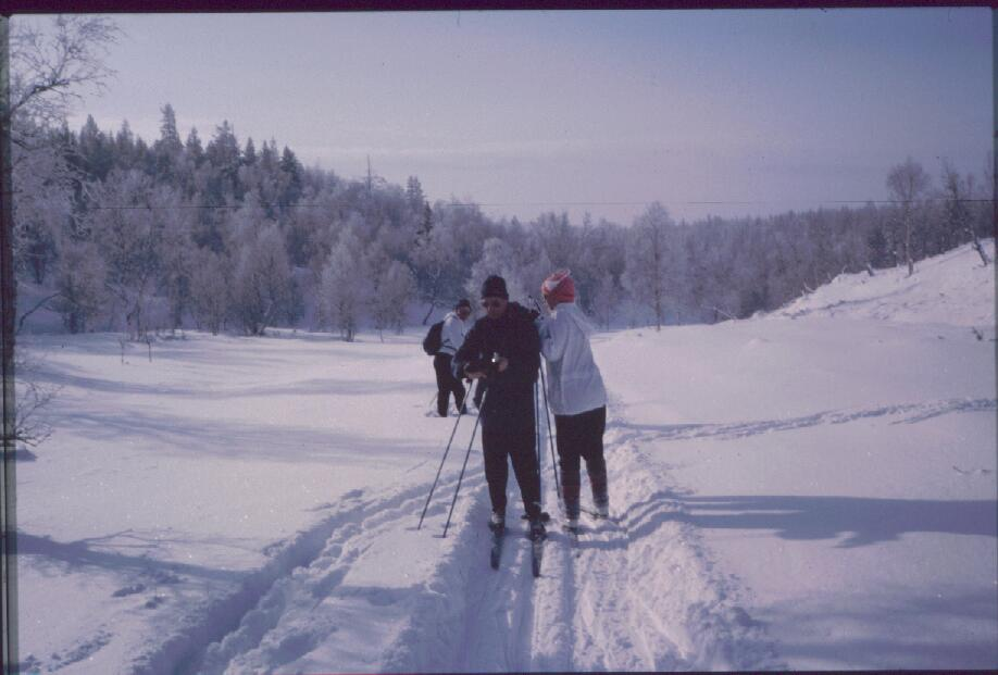 Eero, isä ja Anne Kaunispäänojalla 14.3.1985