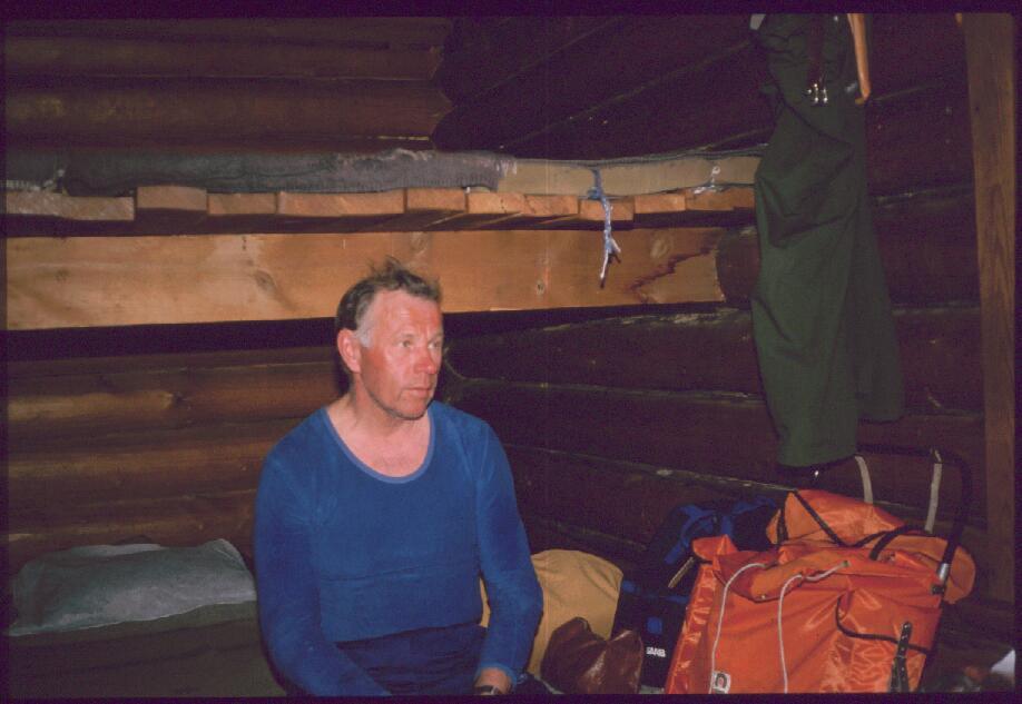 Isä Tierbmesjavrin varaustuvassa 14.4.1987