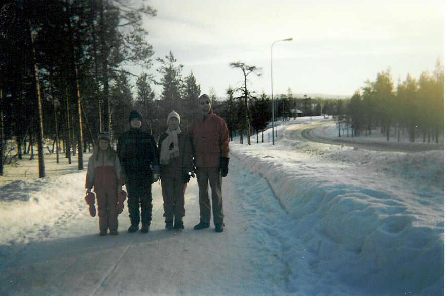 Kohti Kaunispäätä, Henna, Mikko, Pirjo ja Seppo 15.2.2003