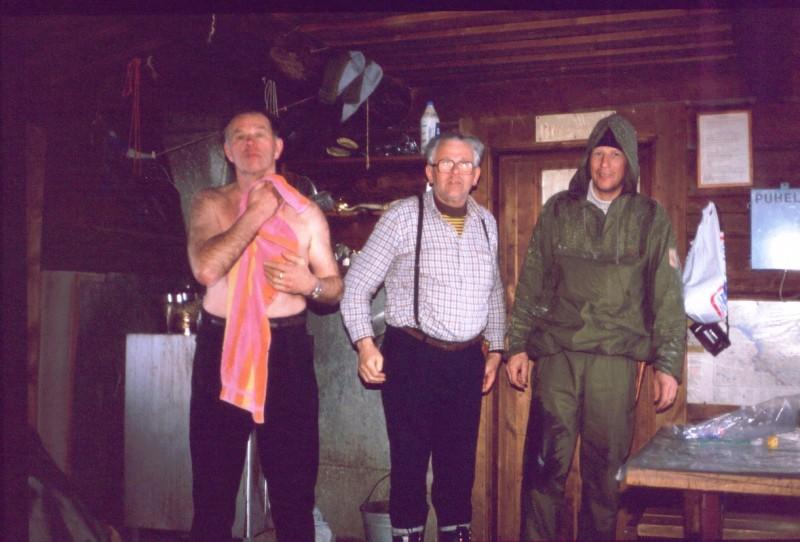 Isä, Eero ja Pertti Kuonjarjohkan autiotuvassa 15.4.1984