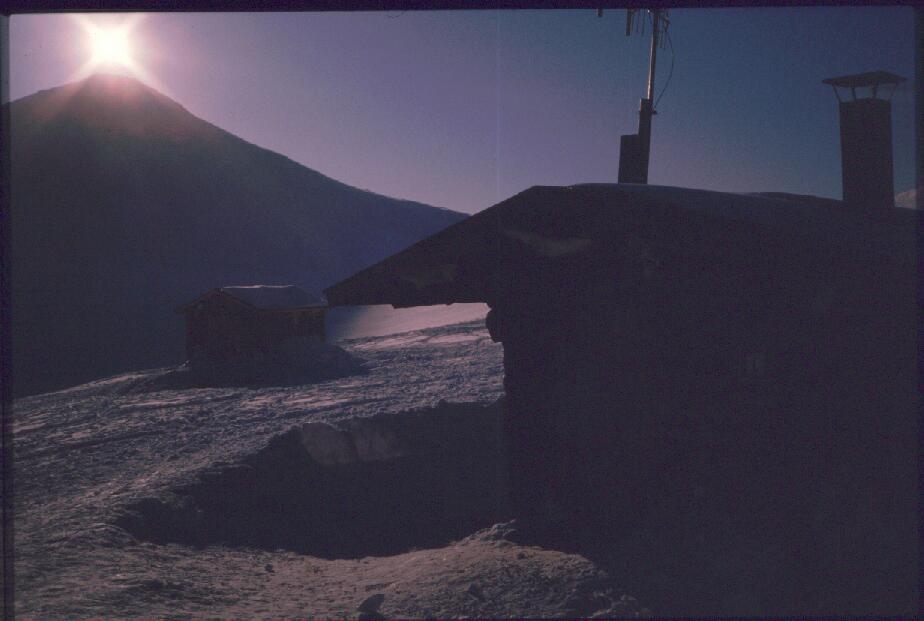Kuonjarvarri Kuonjarjohkan tuvalta nähtynä 15.4.1988
