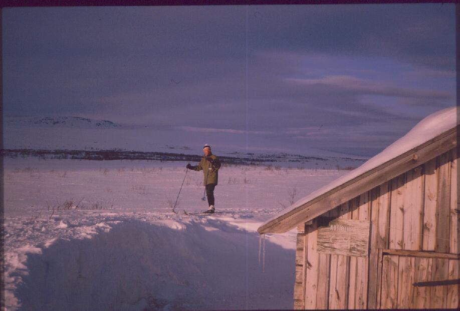 Jogasjärven autiotupa ja Pumbovarri 16.4.1988