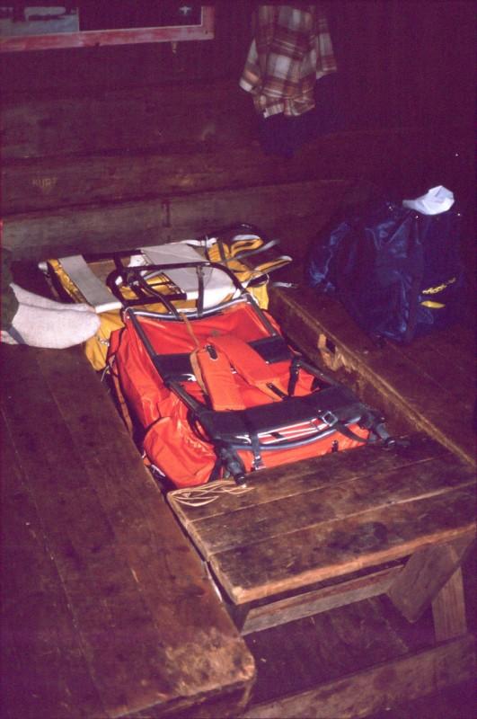 Rinkat apuna Lossujärvellä kun piti nukkumalaveria jatkaa 17.4.1984