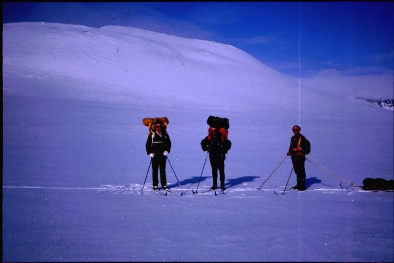 Kahperusladnja kiertäen kohti Kuonjarjohkaa 19.4.1984