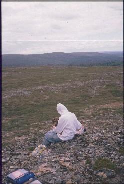 Anne ja Dacke Rahpesoaivilla, kuva Jäkäläpäälle 21.7.1989