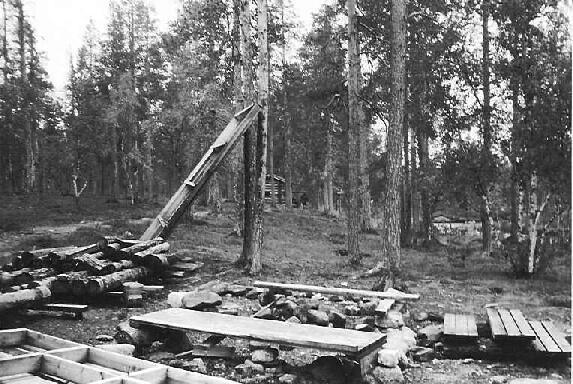 Muorravaarakan purettu tulentekopaikka ja sauna 27.8.1995