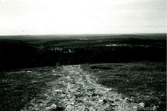 Rinne Kaunispäältä Saariselän kylälle päin 30.8.1995