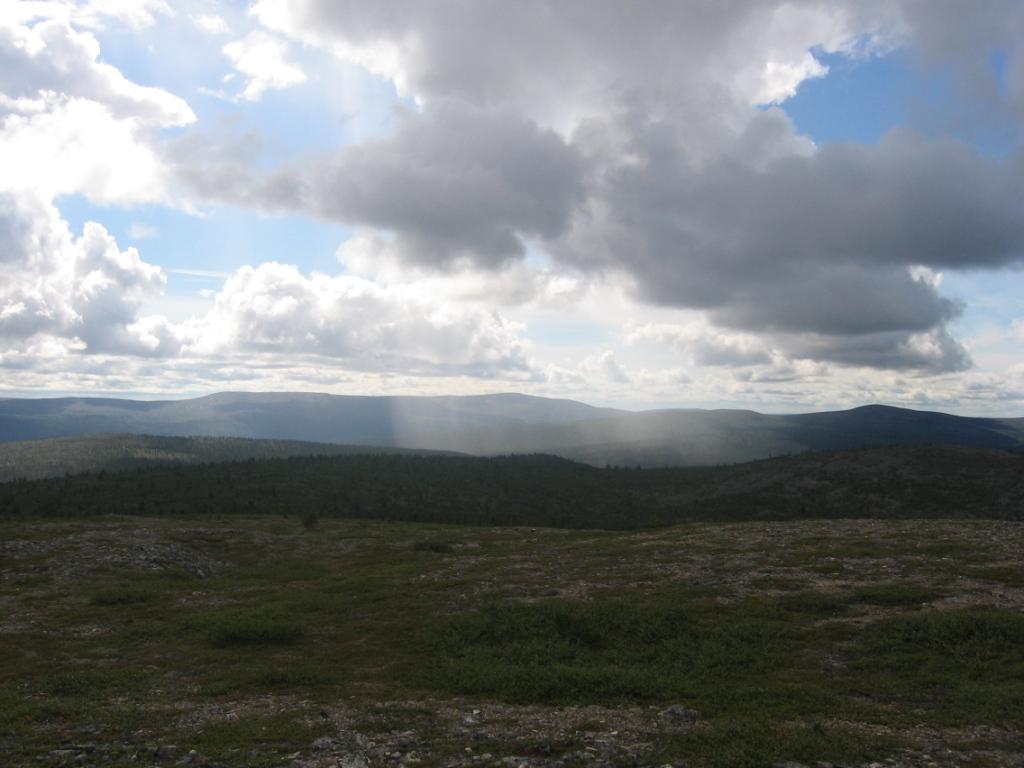 Morgam-Viibus Tsuonjaoaivvikin suunnalta 2.8.2007