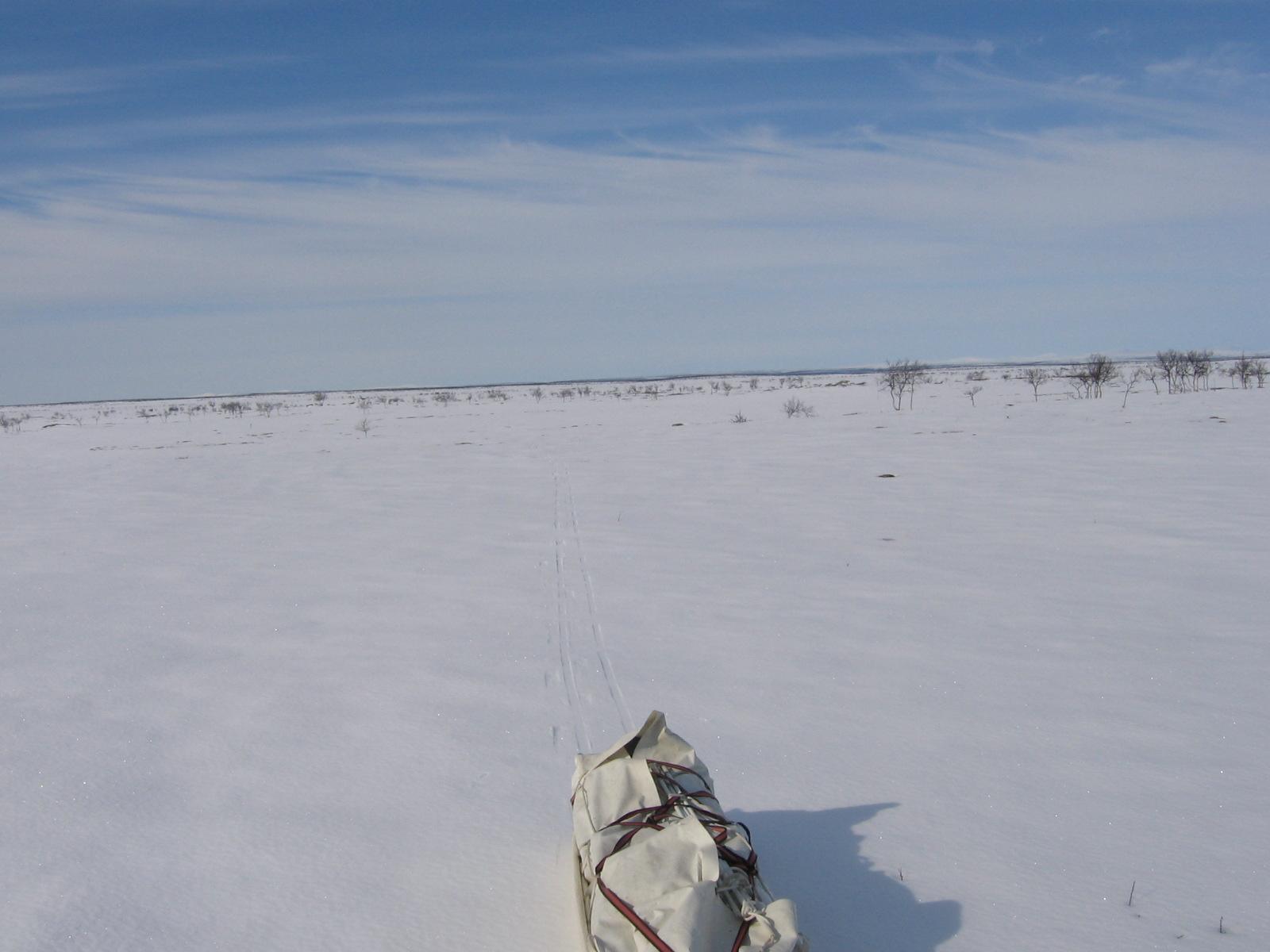 Hyvä hiihdellä Guorboaivia kohden 11.4.2010