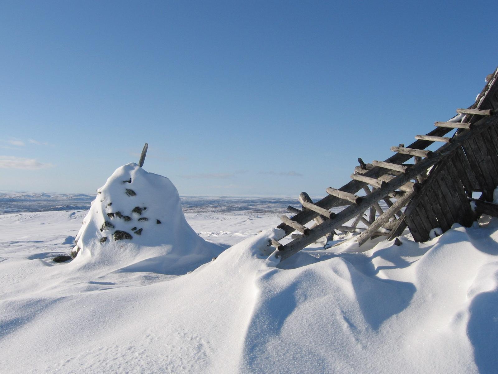 Cuomasvarrilta pohjoiseen, Suomen ja Norjan raja näkyy 14.4.2010