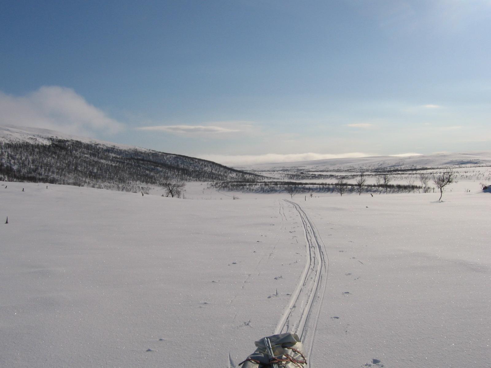 Cuomasjavrilta kohti Pulmankijärveä 15.4.2010