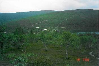 Rautulammen tupa Kutturapään rinteiltä päin 13.7.2000