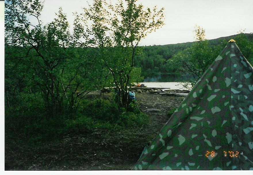 Teltta Jeägeloaivin lammella 28.7.2002