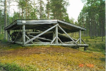 Helanderin kotajärvellä E.Lönnrotin ja M.A.Castrenin joulun 1841 yösija 20.7.2000
