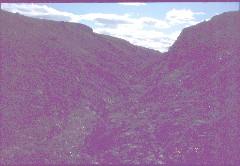 Tsuanjaoaivin huippujen 521 m ja 478 m välinen sola 30.7.2002