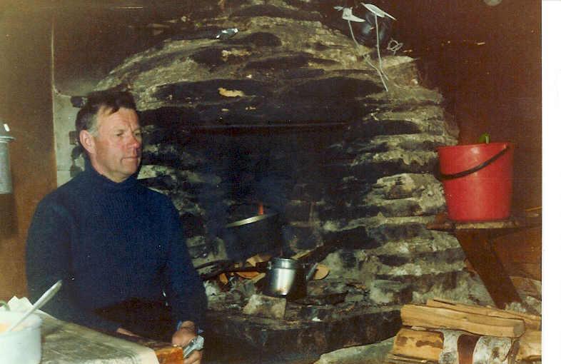 Isä Jogasjärven tuvassa 21.4.1980