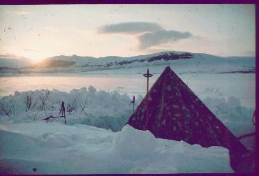 Teltta Jogasjärven tuvan kupeessa 21.4.1980
