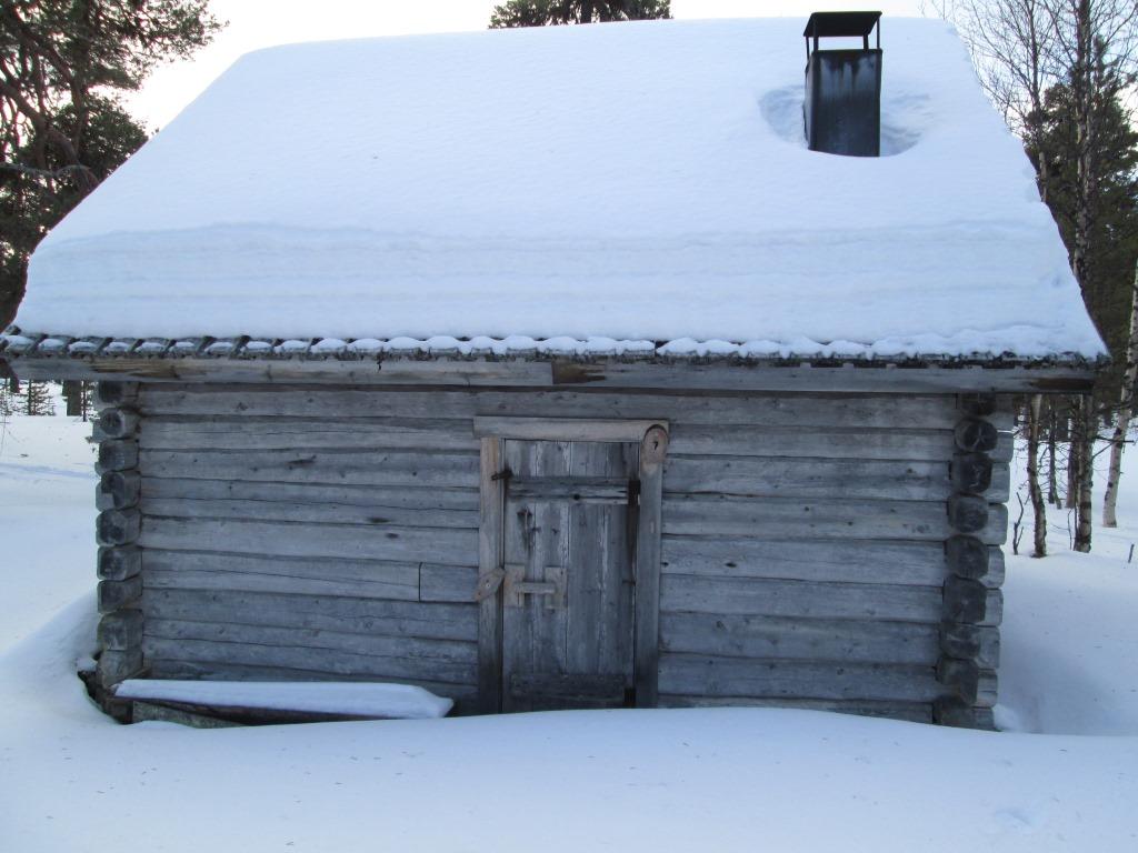Sauna Sallivaaran Poliisien tuvan lähistöllä 27.3.2014